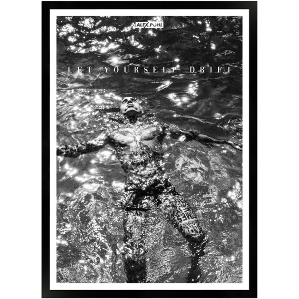 Let yourself drift by Alex Pohl | Poster mit Holzrahmen 50x70 cm