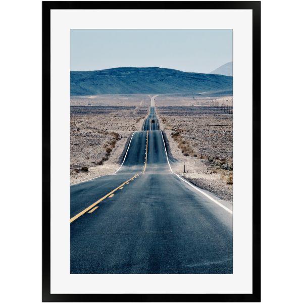 Endloser Highway | Poster mit Holzrahmen 50x70 cm