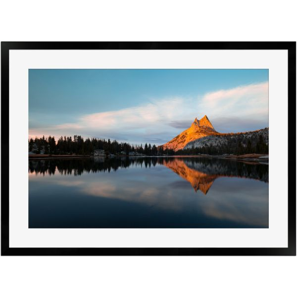 Cathedral Peak Yosemite National Park | Poster mit Holzrahmen 50x70 cm