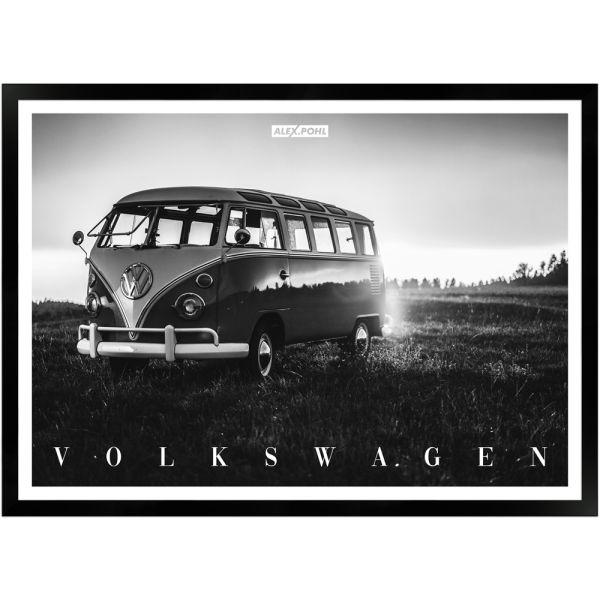 Volkswagen Bulli by Alex Pohl | Poster mit Holzrahmen 50x70 cm