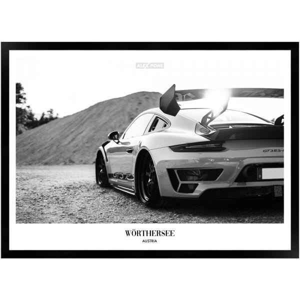 Wörthersee Porsche by Alex Pohl | Poster mit Holzrahmen 50x70 cm