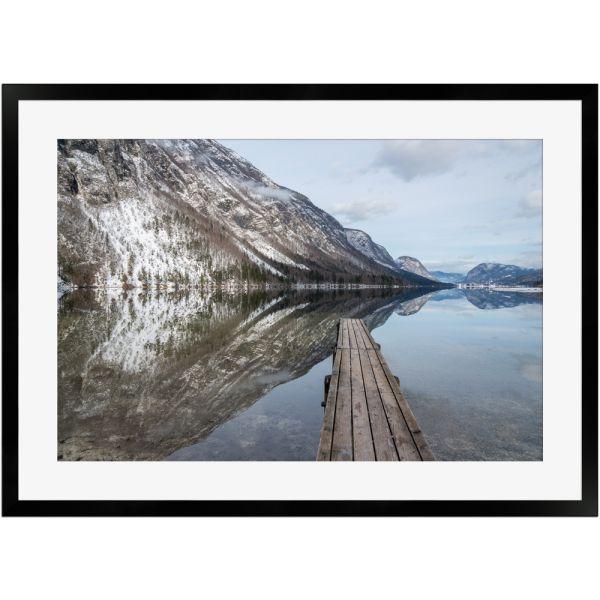 Reflexionen am Bohinjer See   Poster mit Holzrahmen 50x70 cm